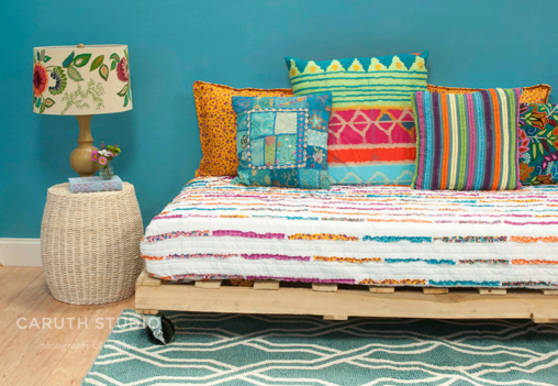 Pallet sofa daybed