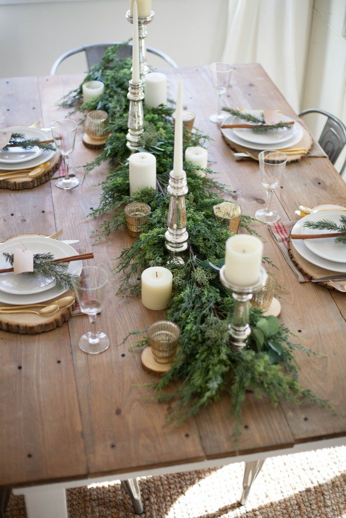 christmas table with garland runner