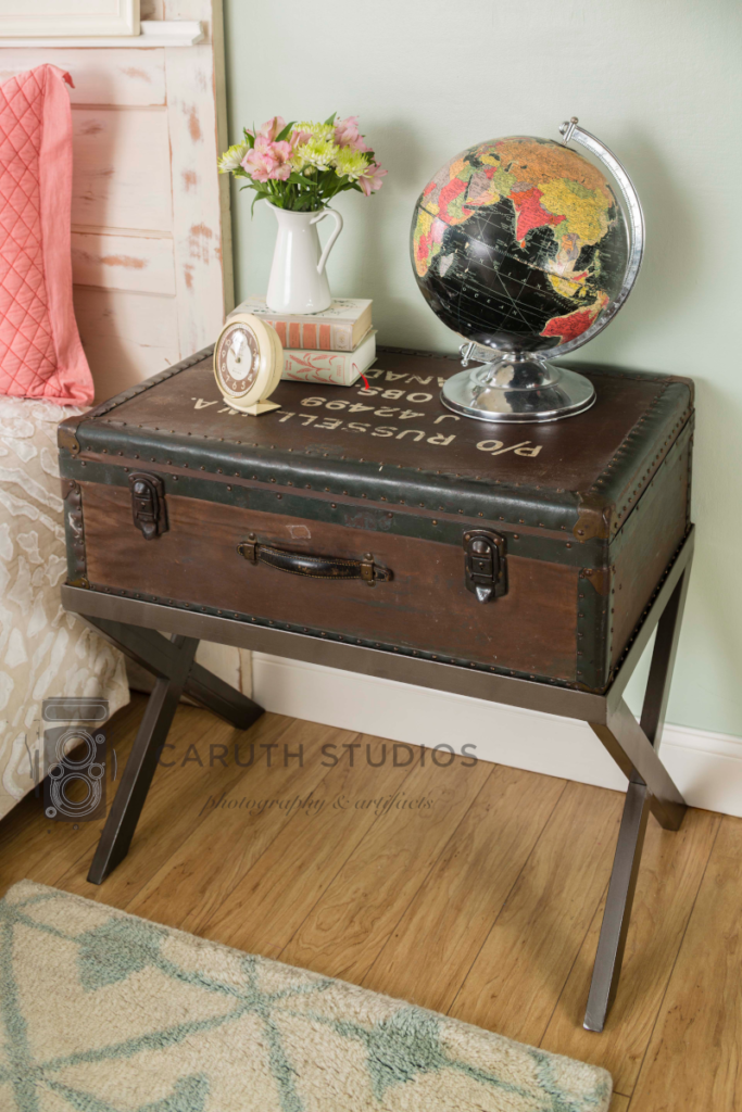 Packing case nightstand